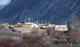 Pueblo tibetano en el valle de Muktinath, Nepal Himalaya imagen de archivo libre de regalías