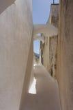Pueblo tradicional de Pyrgos de la isla de Santorini de la arquitectura griega Fotos de archivo libres de regalías