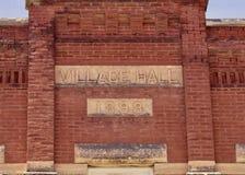 Pueblo viejo Hall Facade del ladrillo foto de archivo libre de regalías