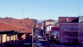 Pueblo y montañas Foto de archivo