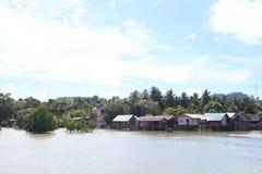 Pueblo y tradición del pescador que flotan a casa Foto de archivo