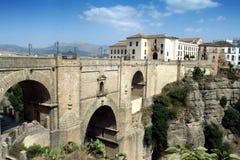 Pueblos Blancos - puente de Ronda sobre el Tajo Fotos de archivo