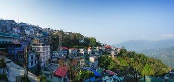 Pueblos de montaña de Gangtok fotografía de archivo libre de regalías