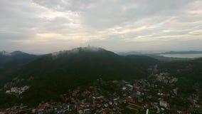 Pueblos tailandeses en el día nublado del verano Fotos de archivo