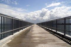 Puente al infinito Foto de archivo libre de regalías
