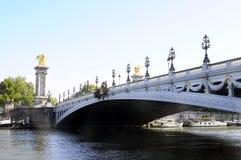 Puente Alejandro III en París Fotos de archivo libres de regalías
