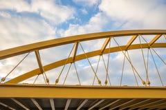 Puente amarillo de acero Foto de archivo