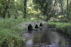 Puente antiguo en Gower imágenes de archivo libres de regalías
