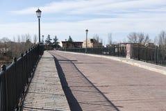 Puente antiguo Zamora de la piedra del romanesque fotos de archivo