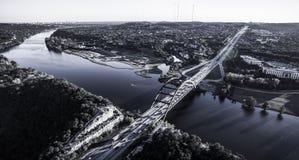 Puente Austin Texas Colorado River de la antena 360 del aire Foto de archivo