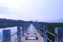 Puente azul Imágenes de archivo libres de regalías