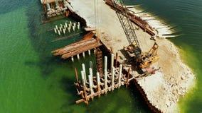Puente bajo construcción en la isla de Siargao metrajes