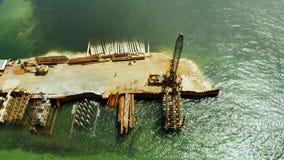 Puente bajo construcción en la isla de Siargao almacen de metraje de vídeo