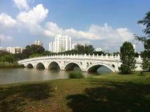 Puente blanco del arco iris Fotos de archivo libres de regalías