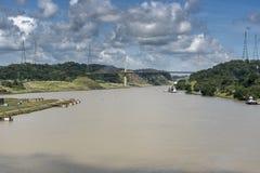 Puente centenario sobre el Canal de Panamá de la princesa de la isla imágenes de archivo libres de regalías