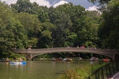 Puente Central Park New York City del arqueamiento Imágenes de archivo libres de regalías