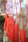 Puente colgante es una parte del alto curso de las cuerdas Imagenes de archivo