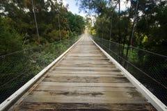 Puente colgante, Gresford, NSW, Australia Foto de archivo