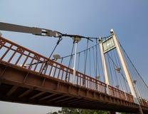 Puente colgante sobre el río Wang Lampang, Tailandia Imágenes de archivo libres de regalías