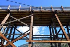 Puente colgante sobre Fraser River Upward foto de archivo libre de regalías