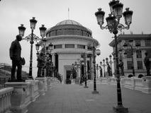 Puente con las estatuas Imagen de archivo libre de regalías