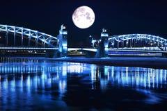 Puente con las torres Foto de archivo