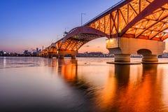 Puente con puesta del sol en Corea Imágenes de archivo libres de regalías