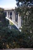 Puente concreto del arco Fotos de archivo