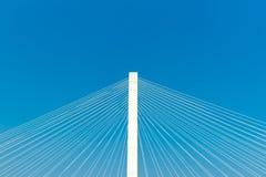 Puente conmemorativo de la estancia de los veteranos a través del río Misisipi en el St Imagenes de archivo