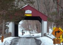 Puente cubierto funcionado con cabina, PA de los dólares Fotografía de archivo libre de regalías