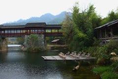 Puente cubierto histórico chino fotos de archivo