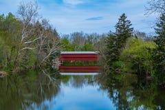 Puente cubierto rojo Fotografía de archivo libre de regalías