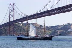 Puente 25 de abril Fotografía de archivo