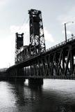 Puente de acero B/W Fotos de archivo libres de regalías