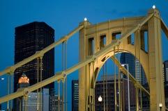 Puente de acero de la ciudad Imagen de archivo libre de regalías