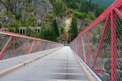 Puente de acero rojo Fotos de archivo libres de regalías