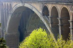 Puente de Adolfo en la ciudad de Luxemburgo Imágenes de archivo libres de regalías