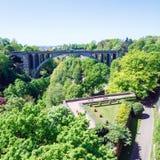 Puente de Adolphie en la ciudad de Luxemburgo Foto de archivo
