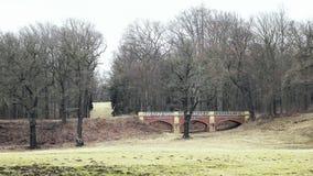 Puente de Art Nouveau del ladrillo rojo