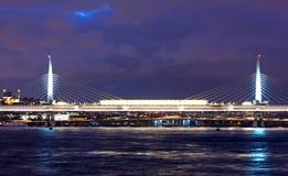 Puente de Ataturk en Estambul, Turquía Foto de archivo libre de regalías