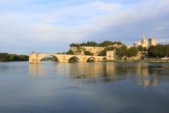 Puente de Aviñón con papas Palace, santo-Benezet de Pont, Provence, Foto de archivo libre de regalías