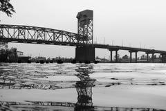 Puente de B&W Imágenes de archivo libres de regalías
