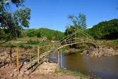 Puente de bambú fotos de archivo