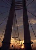 Puente de Basarab en la puesta del sol fotos de archivo