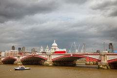 Puente de Blackfriar, Londres Imágenes de archivo libres de regalías