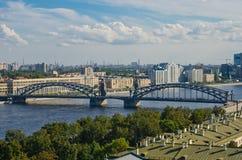 Puente de Bolsheokhtinsky St Petersburg Imagenes de archivo