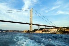 Puente de Bosphorus, Estambul, Turquía Foto de archivo