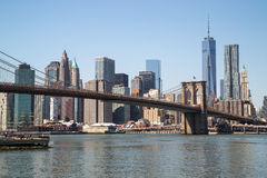 Puente de Brooklyn del horizonte de New York City Manhattan Imagenes de archivo