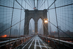 Puente de Brooklyn en el invierno Fotos de archivo libres de regalías