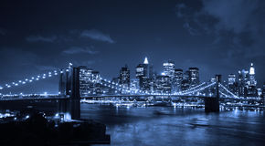 Puente de Brooklyn en la noche Imágenes de archivo libres de regalías
